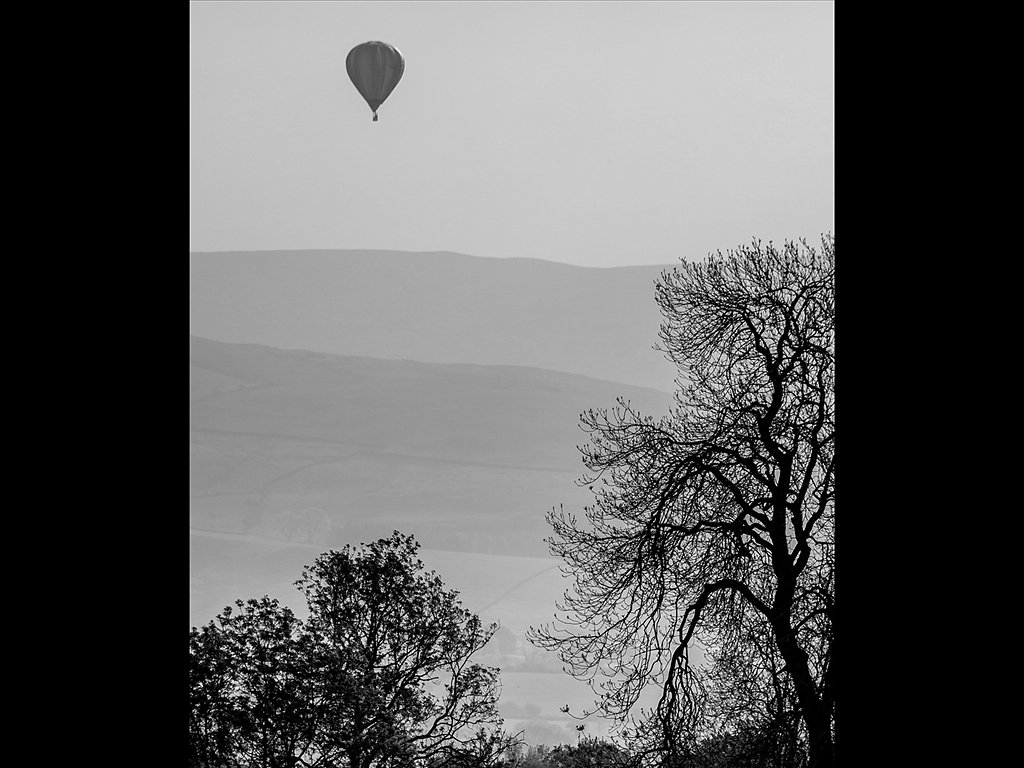 Misty dawn balloon trip (c) Sally Anderson [Commended]