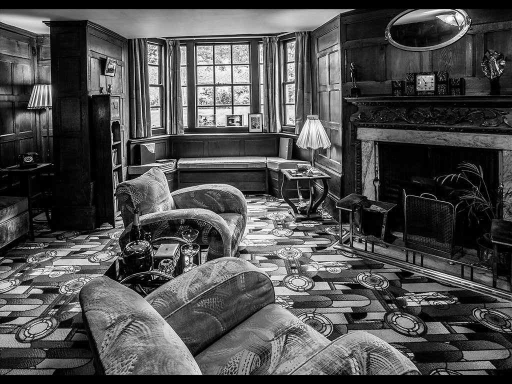 Sitting Room Avebury Manor (c) Graham Harvey [Highly Commended]