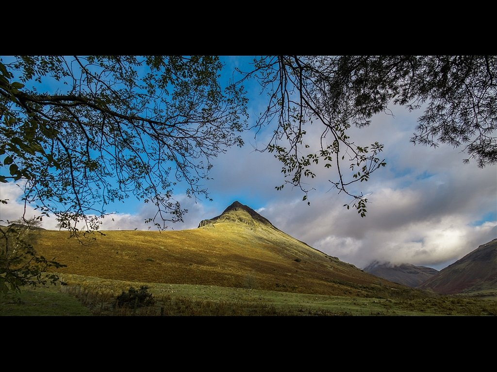 Autunm View Yewbarrow (c) Vince Spratling [Commended]