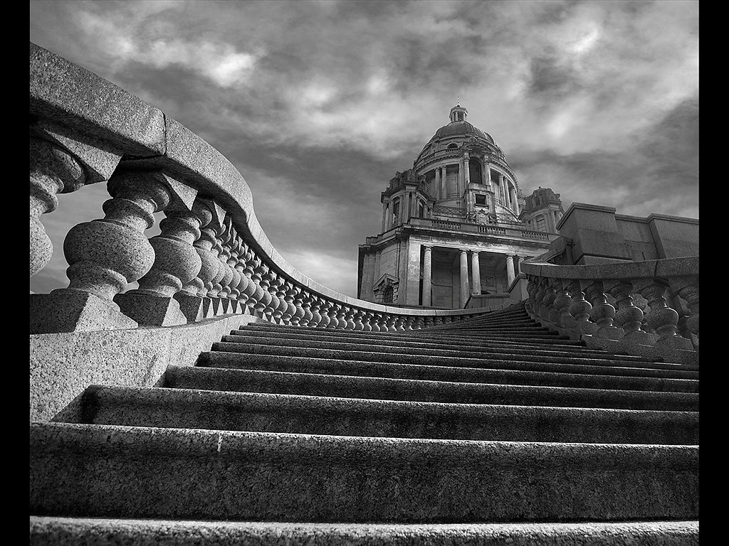 Steps to the Ashton Memorial (C) Mike Atkinson