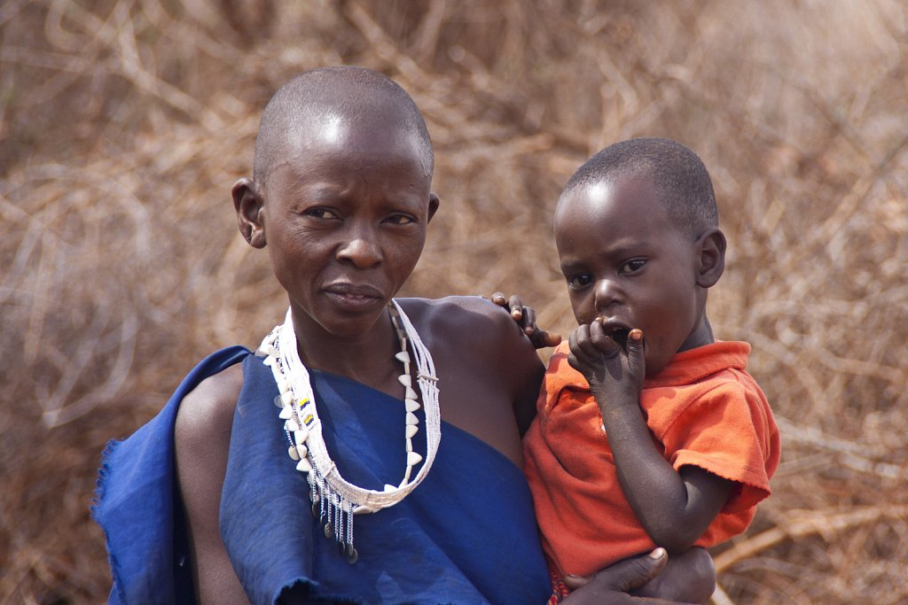Massai mother child