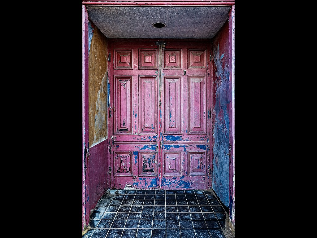 Battery door, Morecambe (c) Brad Cheek  [Commended]