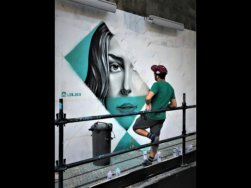 Street artist, Lisbon (c) Brain Forde [Highly Commended]