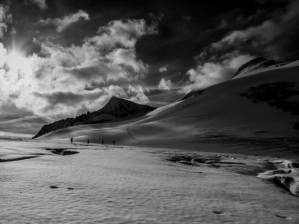onwards and upwards (c) Allan Hartley [Highly Commended]